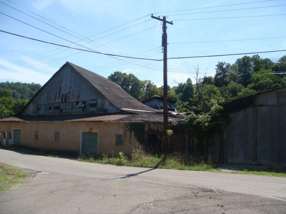 1066047088_AlleyPennsboro-Sistersville7-2010001.thumb.jpg.6b47769c34f5e97c5f585f55017f184d.jpg