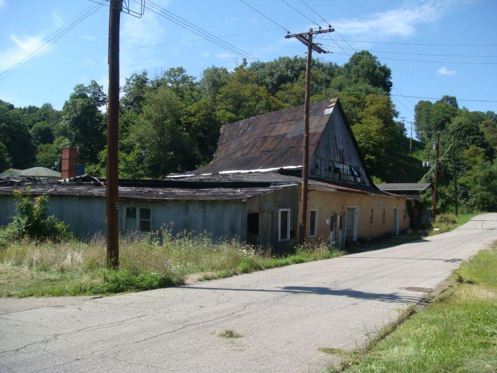 1256185405_AlleyPennsboro-Sistersville7-2010015.thumb.jpg.347c0bf9a8b04a05e6fb564cf5b8f87b.jpg