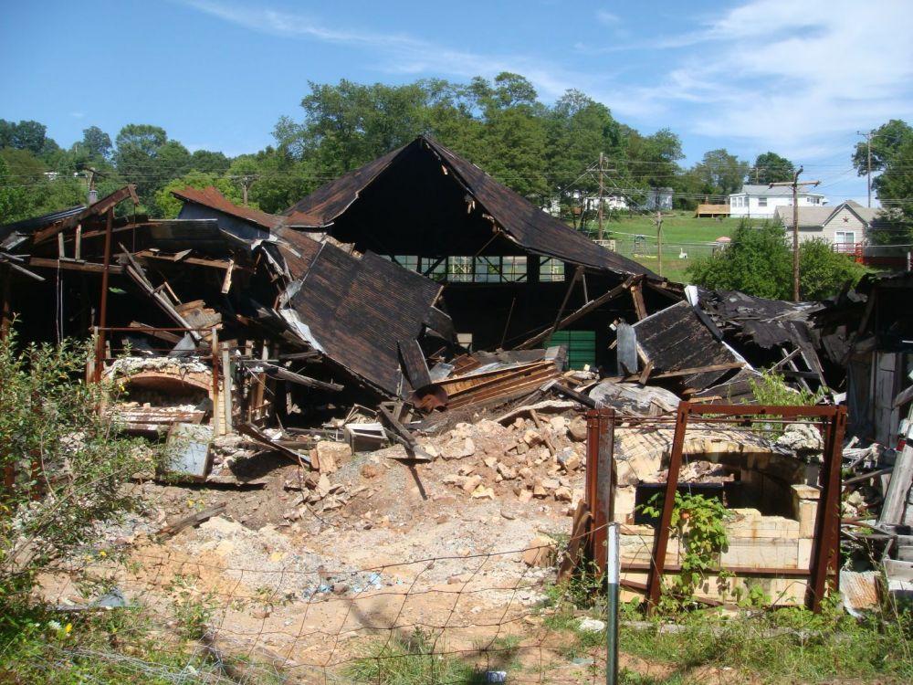 1946369327_AlleyPennsboro-Sistersville7-2010011.thumb.jpg.5ce21f880cd1599ea698d61a18c87cbe.jpg